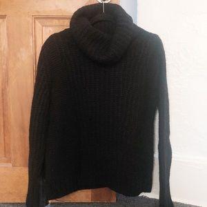 L Banana Republic Heavy Black Turtleneck Sweater